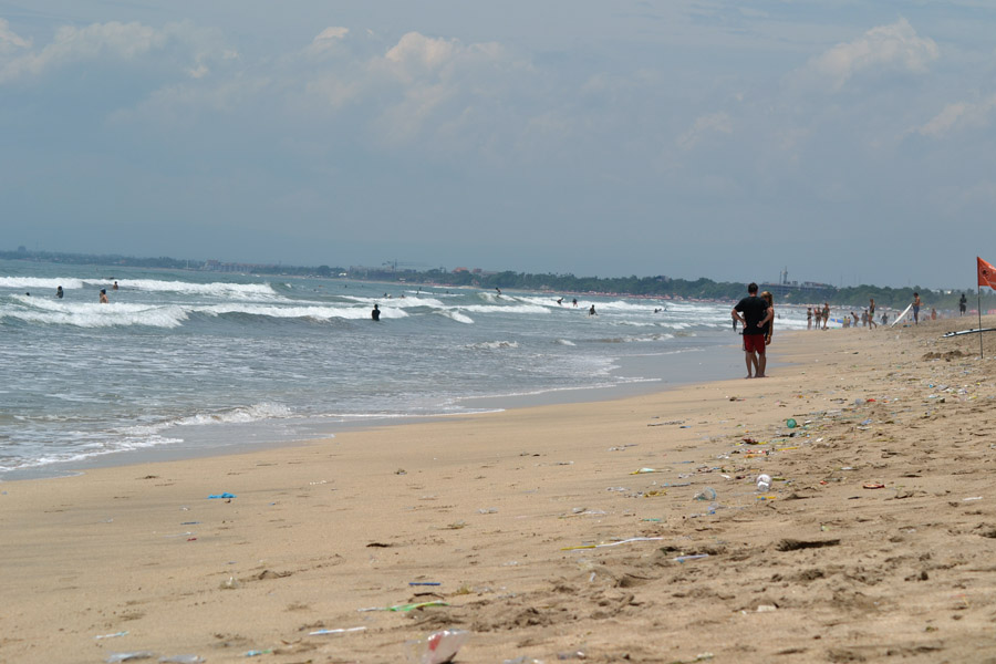This is the famous Kuta Beach on Bali. Dirty as shit. Your Bali-dream crushed. Sorry.